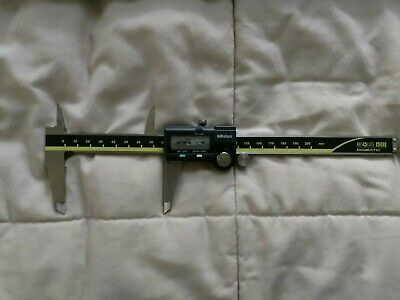 MITUTOYO 500-152-30 Digital Caliper,0 to 200mm,67 IP, missing battery cover