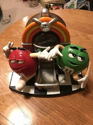 M&M'S Jukebox Candy Dispenser with Mechanical Dancers Mars Inc.