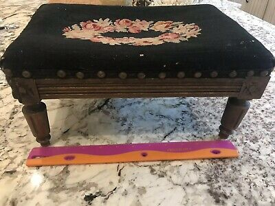 Vintage Hand CARVED WOOD French Style NEEDLEPOINT FOOTSTOOL Black Wreath