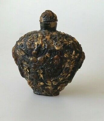Superb Chinese antique carved amber snuff bottle