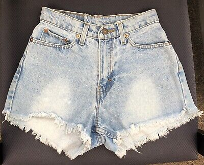 Vintage Jordache Cut Off Raw Hem High Rise Light Denim Shorts womens size 3 / 4