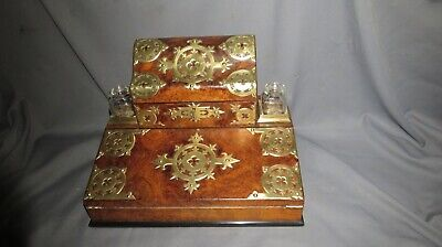 A STUNNING 19th CENTURY VICTORIAN WALNUT WRITING SLOPE/STATIONARY BOX