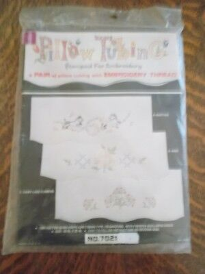 Vintage Stamped Pillow Tubing Fabric for Embroidery Yellow Rose Scalloped NEW