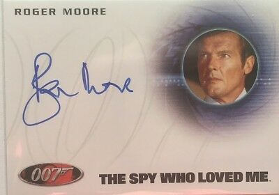 James Bond Archives 2015 The Spy Who Loved Me Throwback Chase Card #19