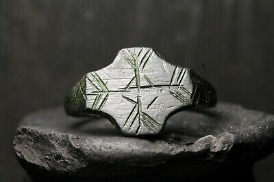 Viking Rare Ancient Patina Bronze Ring, Antique Pattern, 6th-12th Century AD.