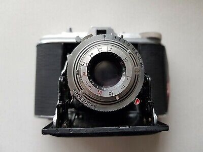 Vintage AGFA Isolette V Folding Camera with leather case. Made in Germany 1950's