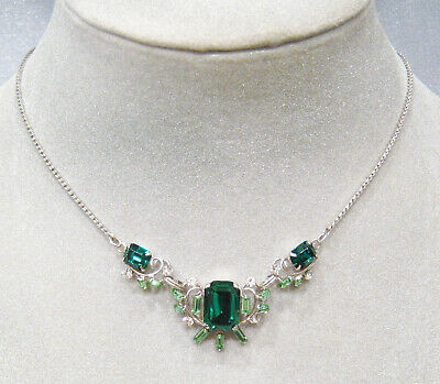 Stunning Vintage Sterling Silver RARE Emerald Green Faceted Glass Necklace DS105
