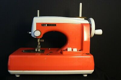 Vintage SEW ETTE Childs Red & White Battery operated Toy Sewing Machine