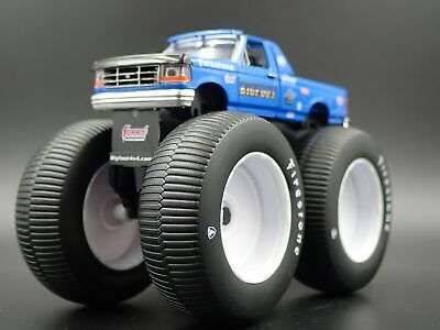 1996 Ford F250 Monster Truck Bigfoot #5 1/64 Scale Diorama Diecast Model Car