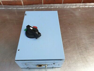 Federal 100 Amp TP+N Isolator Switch Metal Clad
