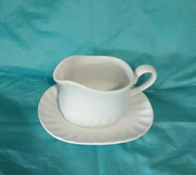 Corning Corelle Enhancements White Swirl Gravy Boat And Underplate