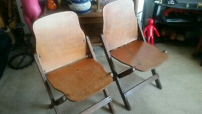 Vintage  Us Seating Folding Chairs
