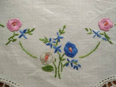 Charming Mixed Flower Posy   Vintage Hand Embroidered Doily