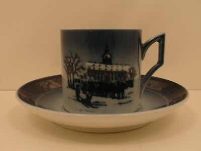 Royal Copenhagen 1911392 Tazza Cup and Saucer 1992 - The Royal Coatch