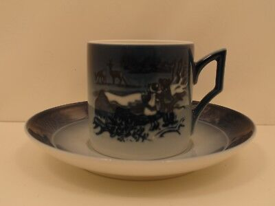 Royal Copenhagen 1911402 Tazza Cup and Saucer 2002 - Winter in the Forest