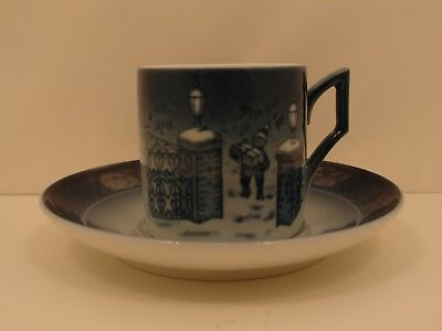 Royal Copenhagen 1911403 Tazza Cup and Saucer 2003 - Seasons greetings
