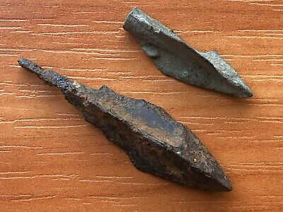 Lot of 2 Ancient Roman Bronze and Iron Arrowheads Circa 200-400 AD Very Rare