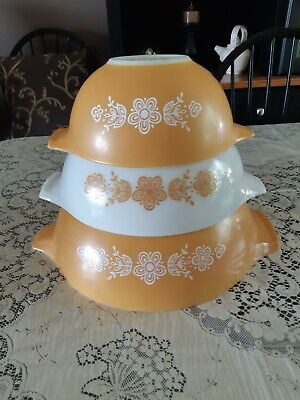 Pyrex Vintage Golden Butterfly Set Of Three Mixing Bowls