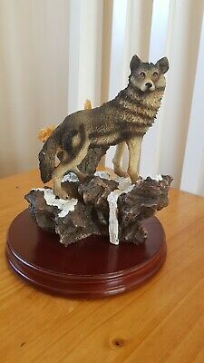 Brand new boxed academy wild life collection wolf ornament RARE