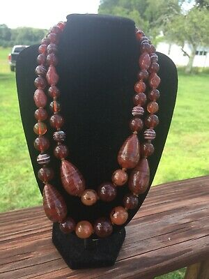Very Beautiful Vintage Chinese Amber & Agate Necklace.