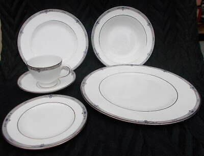 Vintage WEDGWOOD AMHERST Platinum Trim One 6 Piece Place SETTING with SOUP BOWL