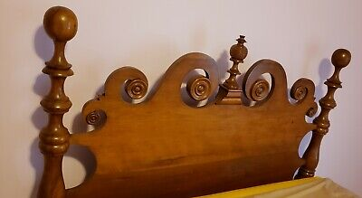 Beautiful Antique Bed. Cherry? Turn Of Century? Stunning Craftsmenship.