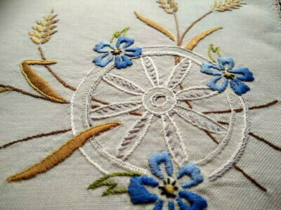 Unique Wagon Wheel & Wheat Grasses  Vintage Hand Embroidered Centrepiece