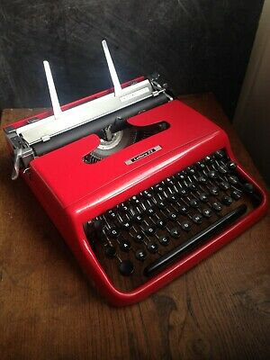 1950s Red Olivetti Lettera manual typewriter,great condition,new ribbon,working