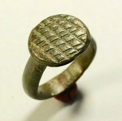 Fantastic Ancient Roman Bronze Ring With Geometric Bezel - Wearable