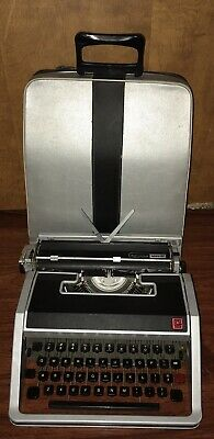Vintage Olivetti Lettera 33 Manual Typewriter With Semi Hard Case Made In Italy