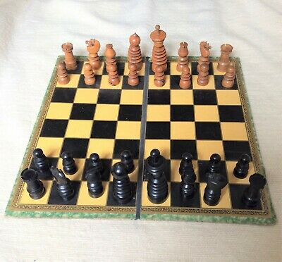 Early 19th century boxwood and ebony chess set