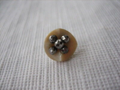 "Vintage Small 7/16"" MOP Mother Of Pearl Shell Button - 5 Cut Steels - P259"