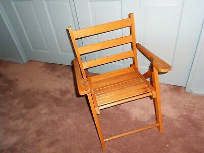 VINTAGE NEVCO 1950S Small Wooden Slat Folding Child's ARMED BEACH Chair