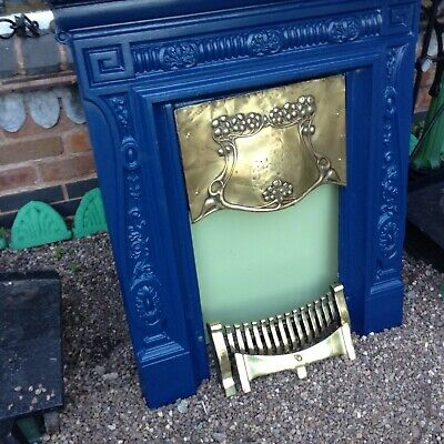 Lovely Antique Bedroom /Lounge Cast Iron Fireplace