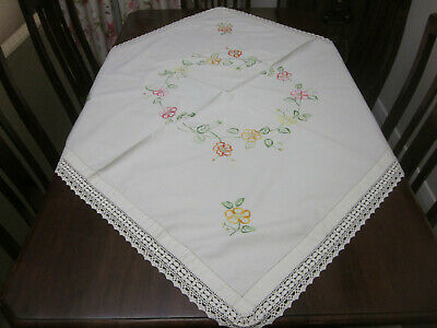 Beautifully  Hand Embroidered Circle Of Tea Roses And Buds  Tablecloth