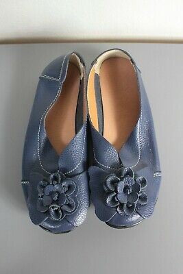 Size 41, Ladies Stylish Blue Flower Flats / Shoes, Great Condition, Bargain!