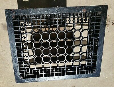 "Vintage CAST IRON FLOOR GRATE REGISTER. 12"" X 15 "" Working!"