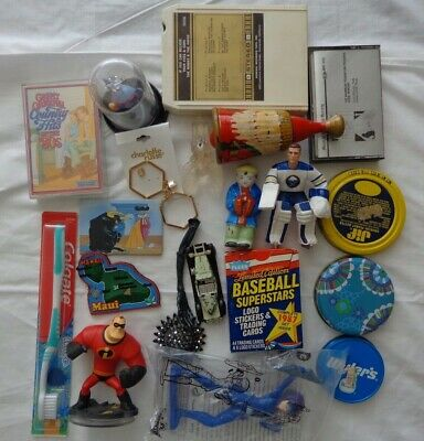 Collectibles Junk Drawer Flea Market Estate Sale Wholesale Yard Sale * Toys  VTG