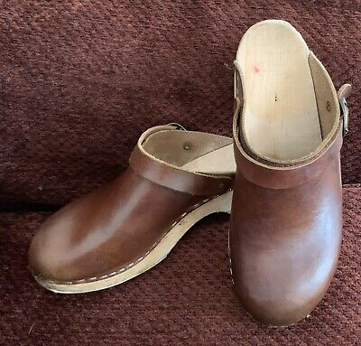 71790ddd1dffa SAGA STAPLED CLOGS Womens Size 41 9.5 Brown Leather Shoes Sweden ...