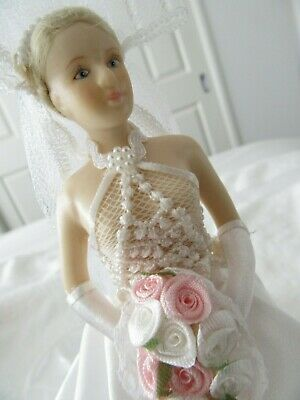 New ! Collectable Stunning   Ceramic Bridal Doll On Stand