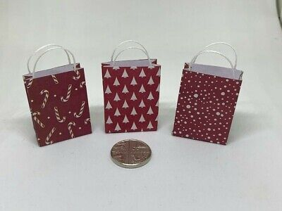 Handmade 1:12th Scale Dolls House Miniature Set of 3 Christmas Xmas Gift Bags 1