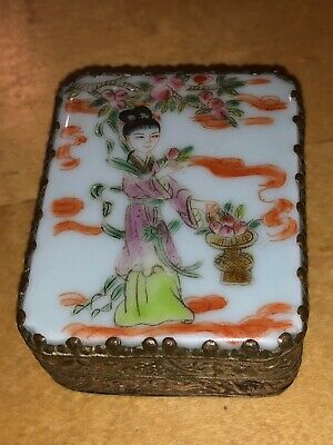 Chinese Antique/Vintage Silver Porcelain Enamel Painted Lid Mirrored Powder Box