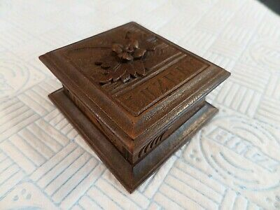ANTIQUE 19thC BLACK FOREST STAMP BOX HAND CARVED WITH ALPINE FLOWER FROM LUZERN