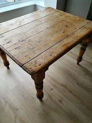 Beautiful Old Victorian Farmhouse kitchen dining table