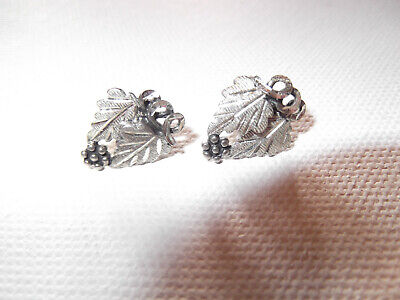 Vintage Mid-Mod Sterling Silver Grape Leaf Stud Earrings Signed