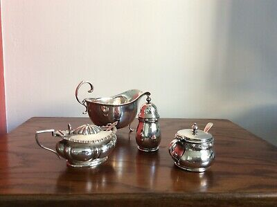 Collection Of 4 Attractiive Silver Items Silver Weight 238.3 Grams