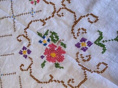 """Lovely Large Vintage Floral Hand Embroidered Linen Tablecloth 46 x 46"""""""