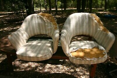 Pair Knoll Saarinen Executive IBM Chairs needs to be reupholstered