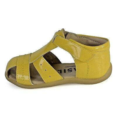 Petasil Girls Tess Yellow Patent Leather Closed Toe Sandals 20572