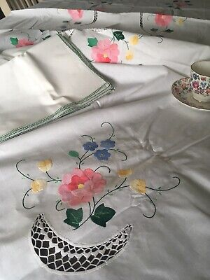 Vintage Floral Embroidered And Lace Cotton Tablecloth And 12 Napkins NIP 102x65